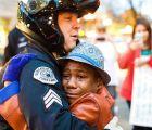 Y en la imagen del día: El otro rostro de las protestas por el Caso Ferguson