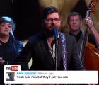 The Decemberists en Kimmel... cantando comentarios de videos
