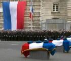 Francia rinde homenaje a policías muertos en caso Charlie Hebdo