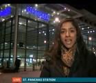 Auch!! moto arrastra a peatón durante reporte de noticiero