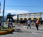 Se enfrentan normalistas y militares en cuartel de Iguala