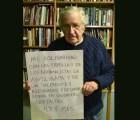 Chomsky apoya a padres de los 43 normalistas desaparecidos