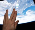 Y en la imagen del día: Astronauta despide a Leonard Nimoy