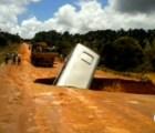 """Microinfarto: Autobús cae en """"pequeño"""" bache en la carretera"""