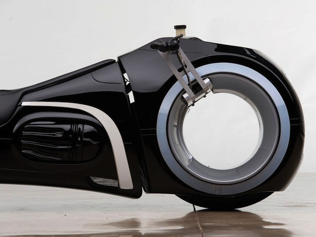 real-life-tron-light-cycle-for-sale-by-rm-auctions-3