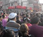 Vecinos bloquean Eje 10 Sur por robo de niños