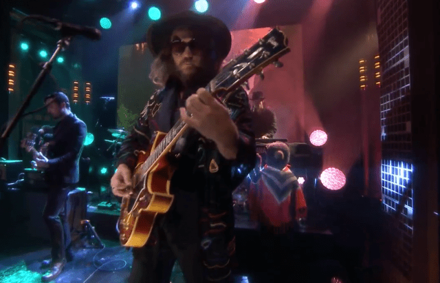 "Ve a My Morning Jacket interpretar ""Compound Fracture"" con Jimmy Kimmel"