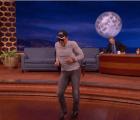 "Jean-Claude Van Damme recreó su famoso baile en ""Kickboxer"""