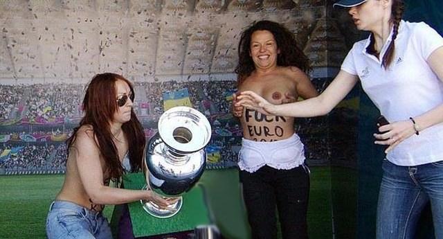 femen_topless_euro_2d