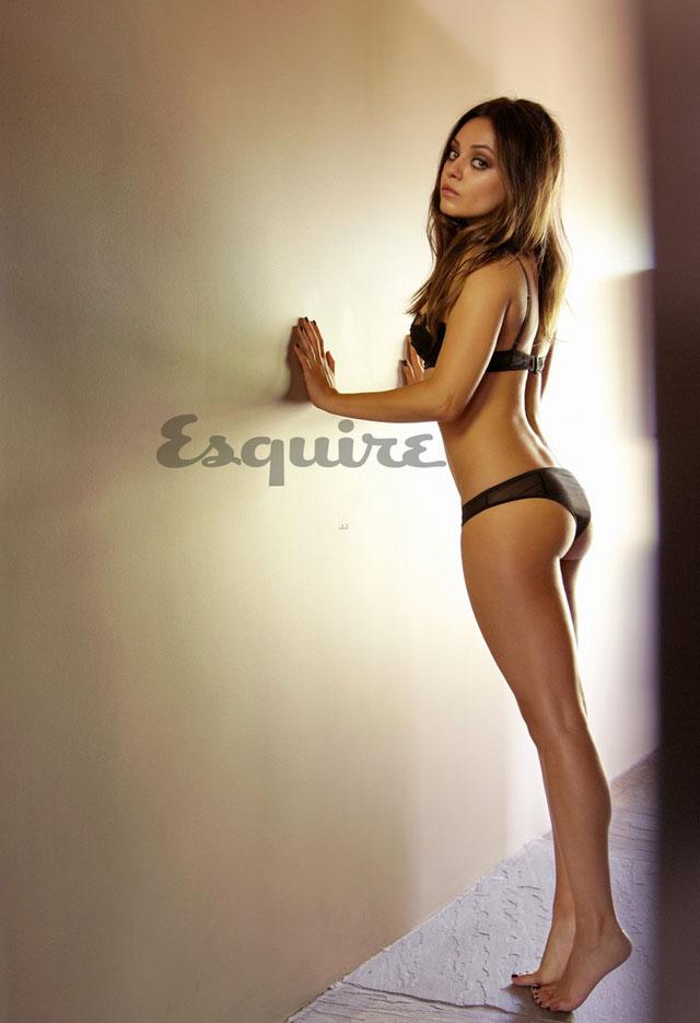 Mila-Kunis-Esquire
