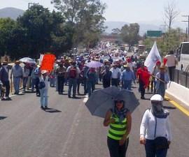 maestros marcha Autopista del sol