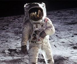 Neil-Armstrong-en-la-Luna