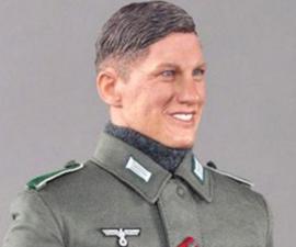 muñeco nazi schweinsteiger