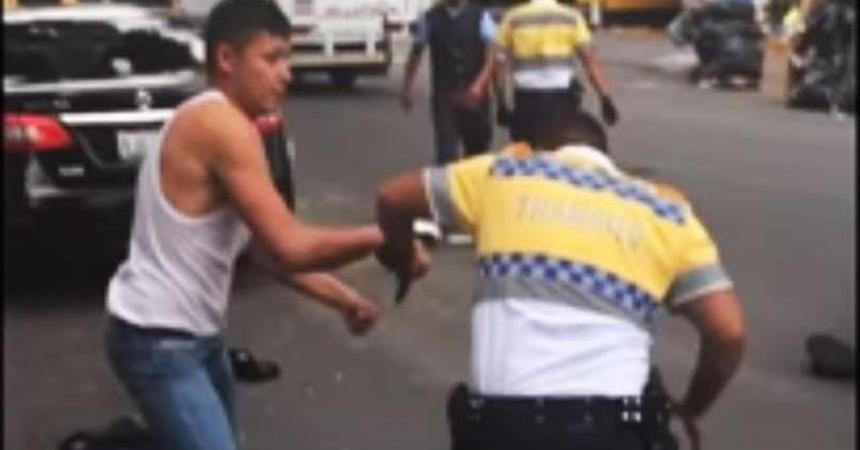 pelea policia chofer