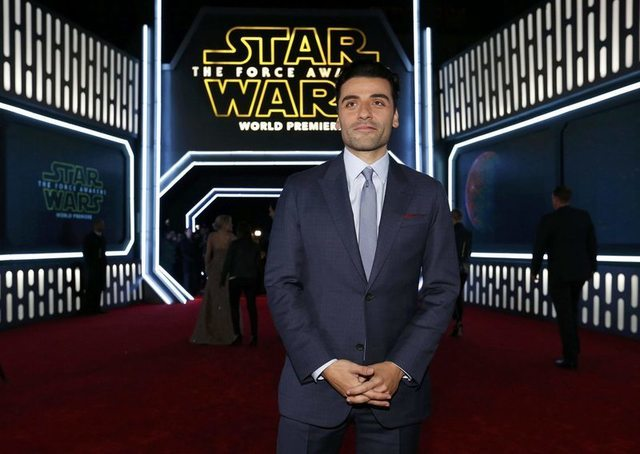"Actor Oscar Isaac arrives at the premiere of ""Star Wars: The Force Awakens"" in Hollywood, California December 14, 2015. REUTERS/Mario Anzuoni"