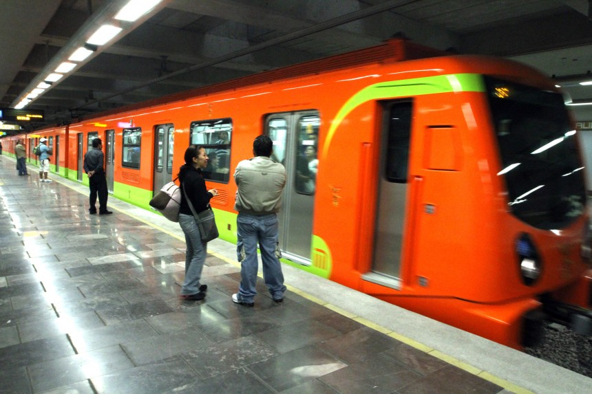 """20930116. México, D.F.- Se llevó a cabo los """"Recorridos de Familiarización"""" de la Línea 12 del Sistema de Transporte Colectivo Metro. NOTIMEX/FOTO/CARLOS PEREDA/CPM/HUM/"""