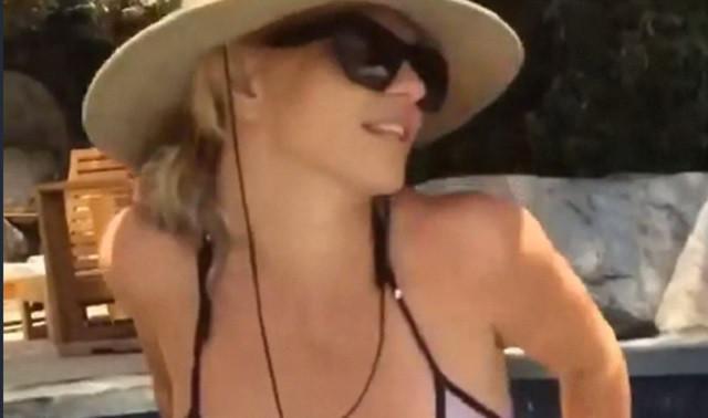 britney-bikini