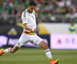 SANTA CLARA, CA - JUNE 18:  Diego Reyes #5 of Mexico dribbles the ball up field against Chile during the 2016 Copa America Centenario Quarterfinals match play between Mexico and Chile at Levi's Stadium on June 18, 2016 in Santa Clara, California.  (Photo by Thearon W. Henderson/Getty Images)
