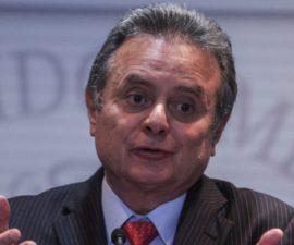 MÉXICO, D.F., 28MAYO2014.- Pedro Joaquin Coldwell, Secretario de Energia, durante la conferencia que realizó ante los medios de comunicación. FOTO: ENRIQUE ORDÓÑEZ /CUARTOSCURO.COM