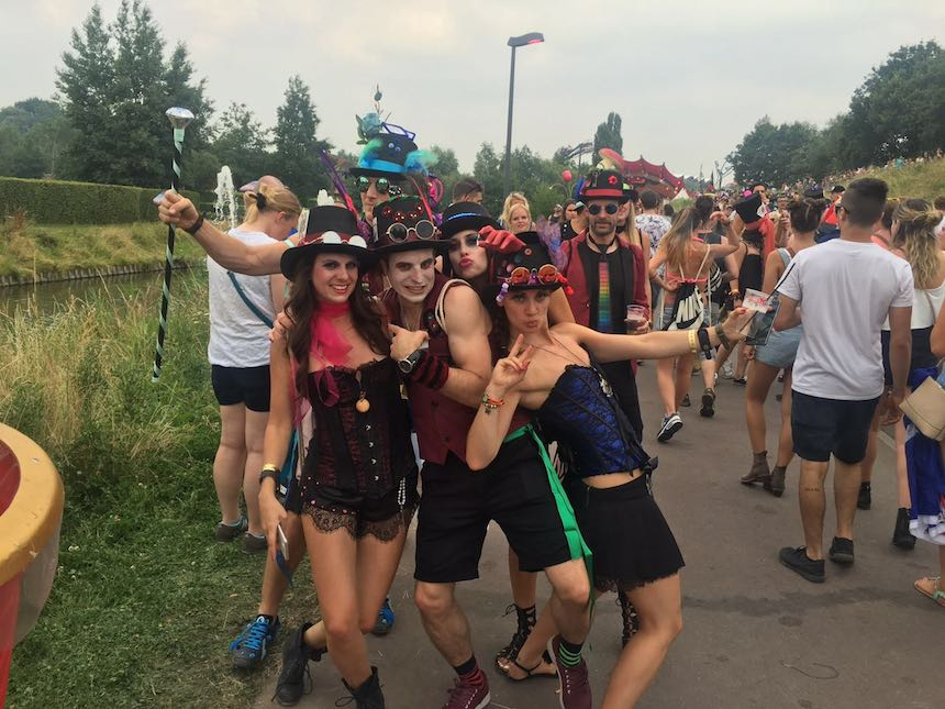 tomorrowland-2016-personajes-4