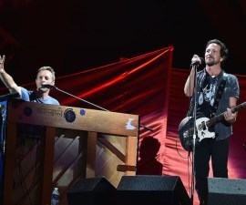 NEW YORK, NY - SEPTEMBER 24:  Musicians Chris Martin and Eddie Vedder perform onstage at the 2016 Global Citizen Festival In Central Park To End Extreme Poverty By 2030 at Central Park on September 24, 2016 in New York City.  (Photo by Theo Wargo/Getty Images for Global Citizen)