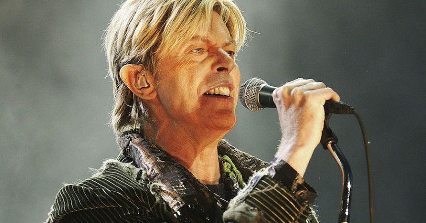 Ya podemos escuchar el disco inédito de David Bowie
