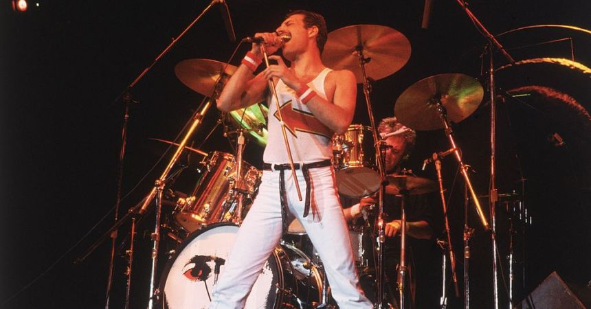 5th June 1982:  Freddie Mercury (1946 - 1991), lead singer of 70s hard rock quartet Queen, in concert in Milton Keynes.  (Photo by Hulton Archive/Getty Images)
