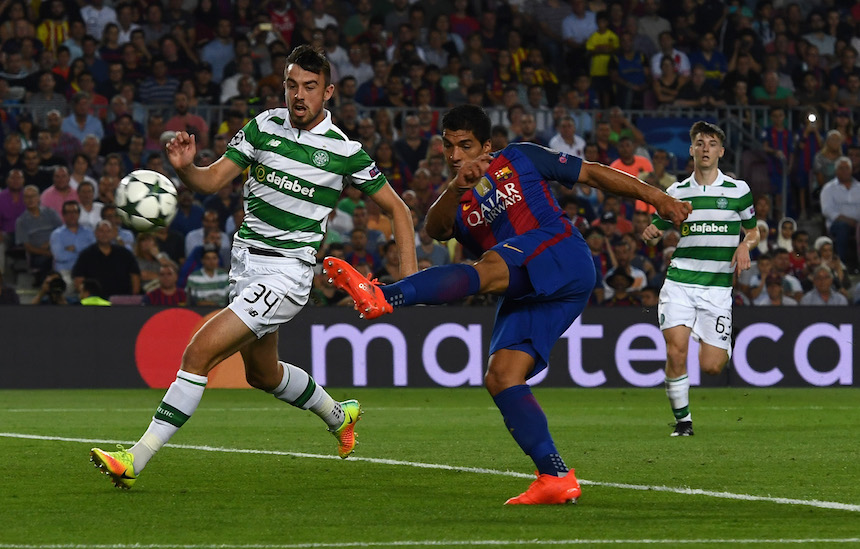 Suarez logró dos goles en el partido