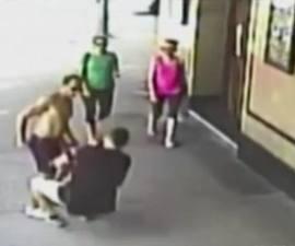 Un hombre muere tras recibir un puñetazo en la cabeza