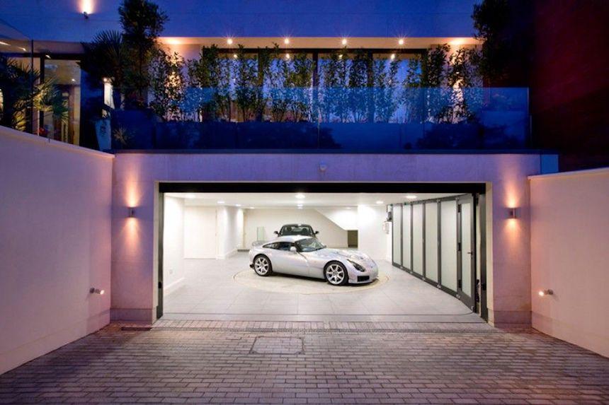casa-ozil-garage