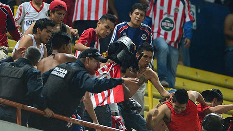 Violencia Chivas vs Atlas