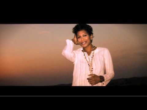 Deniece Pearson – Close to Nowhere FREE MP3 DOWNLOAD