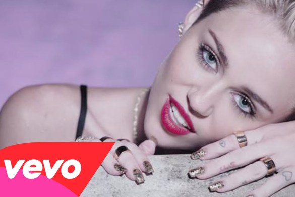 Miley Cyrus — Bangerz Album Review by Jay Fingers