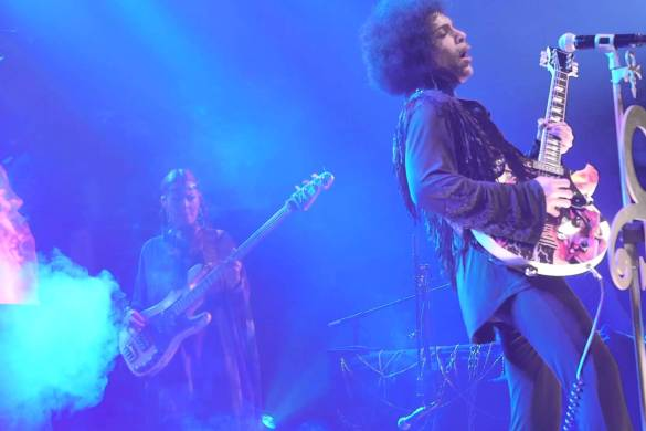Prince – Something in the Water (Live in Manchester UK Feb 22, 2014) @3rdeyegirl