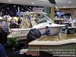 miamiinternationalboatshowsaturdsay021310-015