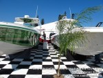miamiinternationalboatshowsaturdsay021310-057