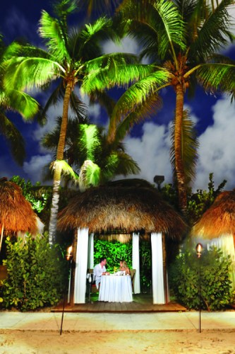 CABANAS-AT-NIGHT-P