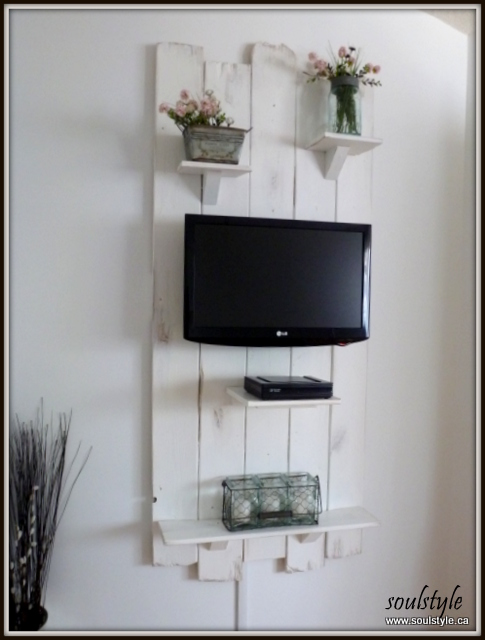 Shabby Elegant Wall Shelves 1