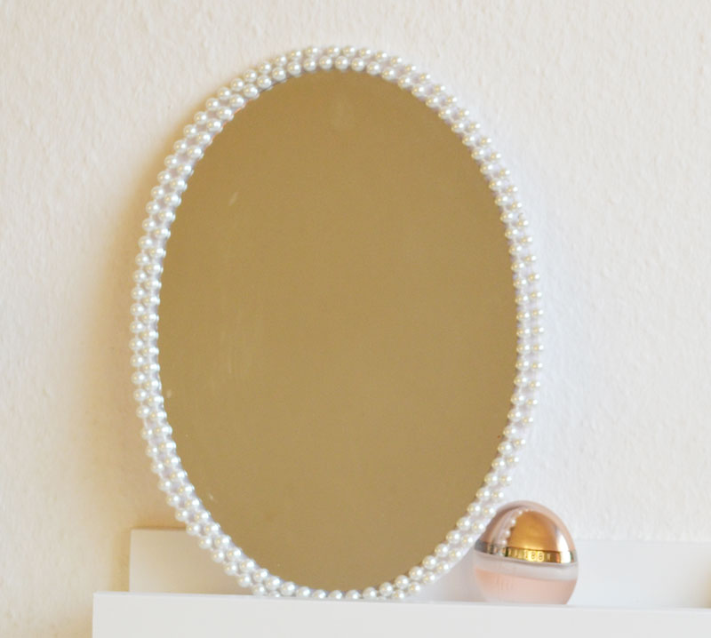 diy spiegel rahmen selber machen. Black Bedroom Furniture Sets. Home Design Ideas