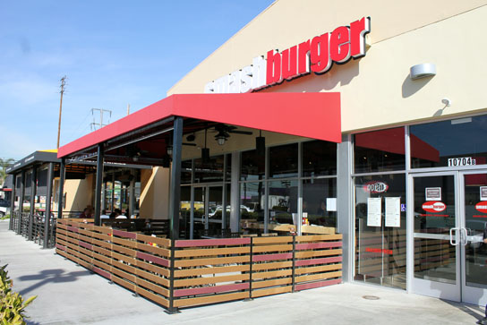 Smashburger Store Front
