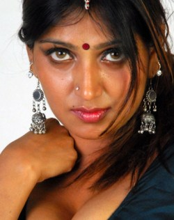 South Indian Hot Actress Bhuvaneswari, Nice Photos