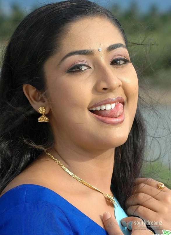 mallu masala actress navya nair hot and sexy unseen photos 21 586x806 Navya Nair hot photo gallery