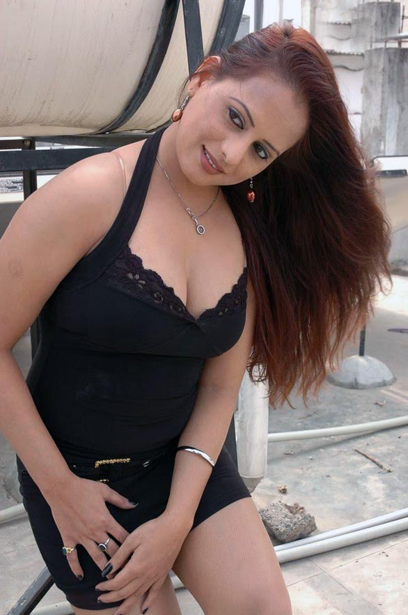 telugu movie actress tanisha hot stills pictures photos 2 South Indian actress tanisha hot hq picture gallery