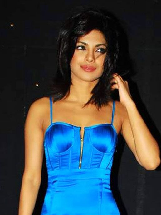 actress priyanka chopra hot glamour stills pictures photos 9 Priyanka Chopra hot photo gallery