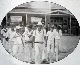 Sachin Tendulkar7 Sachin Tendulkar Rare Picture & Videos