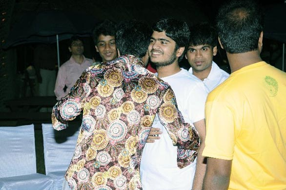 simbhu birthday bash stills 14 Ajith, Shalini & Trisha at Simbu's Birthday Bash