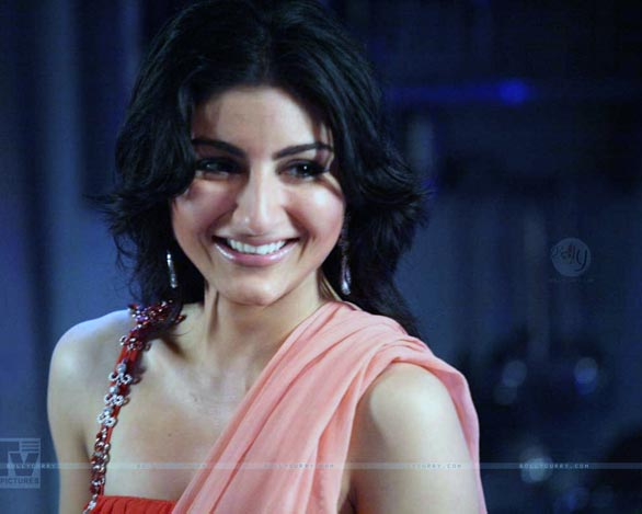 soha ali khan hot sexy and beautiful wallpapers pictures 8 Soha Ali Khan Hot Sexy and Beautiful Wallpapers