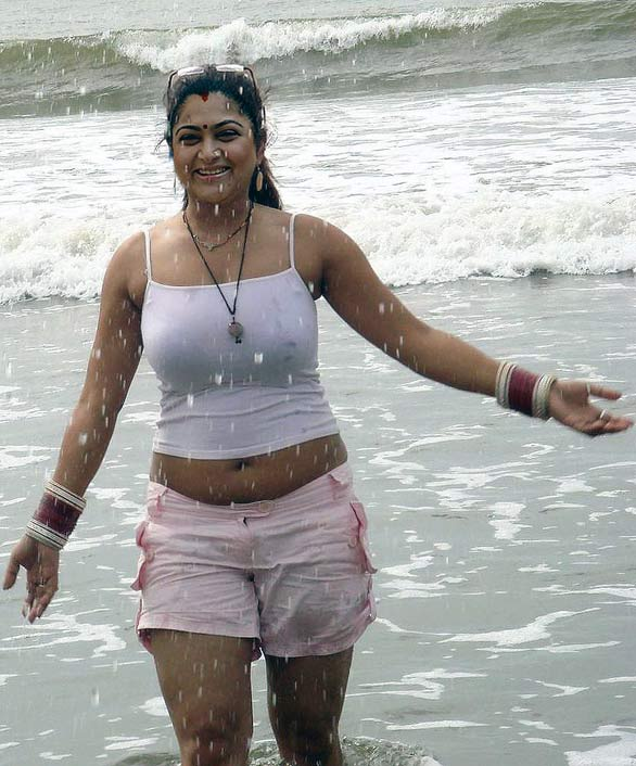 tamil actress Kushboo beach bikini Top Indian Models in Bikini