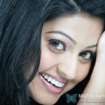 Sneha threatens legal action against media