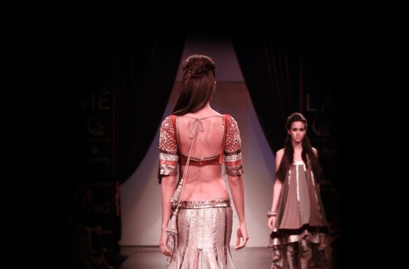 lakme winter festive2010 2 586x386 Lakme Fashion Week   Winter Festive 2010